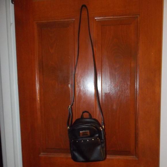 Tommy Hilfiger Handbags - Tommy Hilfiger leather black bag small gold